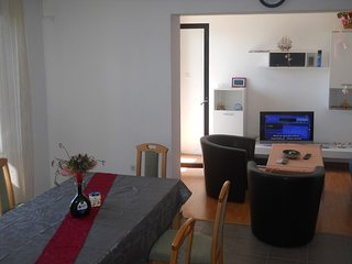 Rent comfort apartment with parking in Zadar