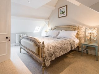 The Attic Suite at No 2 Broadgate - a luxury bed and breakfast in Barnstaple