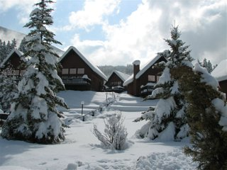 Banff Gate Mountain Resort: 2-Bedrooms, sleep 6, Full Kitchen