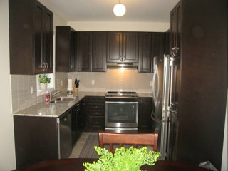 Newly Build 4 BR Home Minutes from Toronto Pearson Airport+2 Free Parking!!