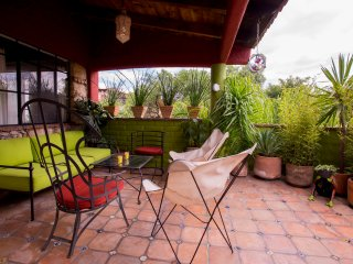 Serene, Sunlit 2Br/2Ba 15 Minute Flat Walk to Centro