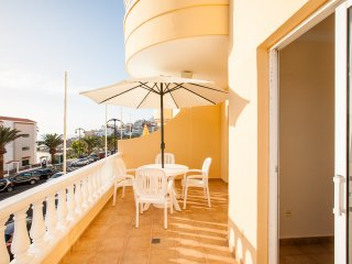 Ocean front family place in Puerto De Santiago with WIFI