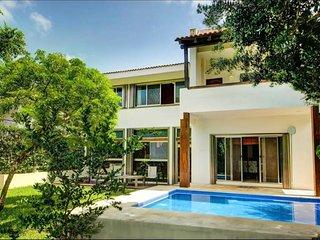 Hermosa Villa de 6 recamaras hasta 14 personas