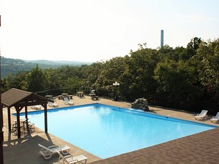 Luxury 3 bedroom Condo 1.5 miles from Silver Dollar City (Rockwood Resort)
