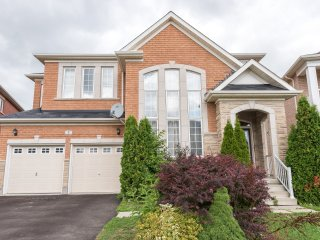 Fully Furnished Executive Home in Brampton (Toronto) Canada
