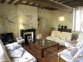 Gîte : 3 chambres, 3 SdB, Jardin. Près Piscine & Commerces. A 2 h de Paris