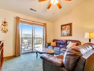 Tasteful Top-Floor Condo near SDC w/ Indoor Pool
