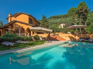 Relais Lalla with pool near Versilia Tuscany beach