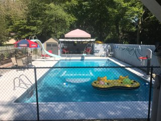 Fun Central: Backyard Oasis 15 Min. from Notre Dame Campus