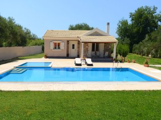 Conveniently located Tranquil  family villa with pools