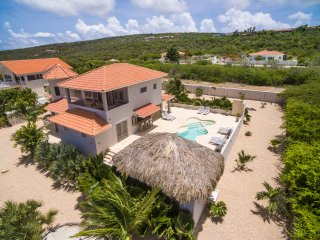 VILLA AZURE BONAIRE luxurious private villa with ocean view & pool