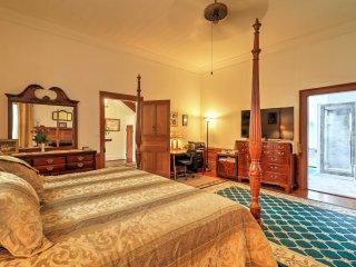 NEW! Historic 3BR+Guest House LaFayette Plantation