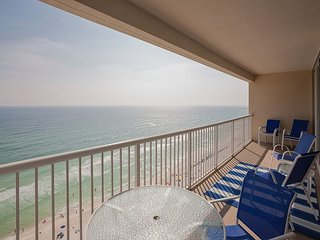 Majestic 4 bedroom! Great beach feel inside and out. Amenities galore!!
