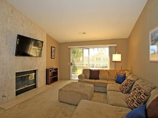 Spacious Two Bedroom, Two Bath Desert Falls Condo With Western Mountain Views