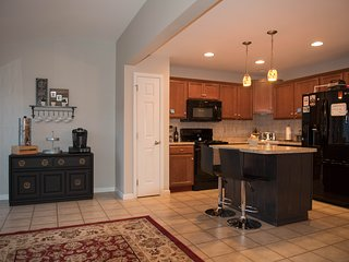 Spacious New Townhouse - 10 mins from PSU & Beaver Stadium!