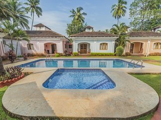 Villa with a pool near Anjuna Beach