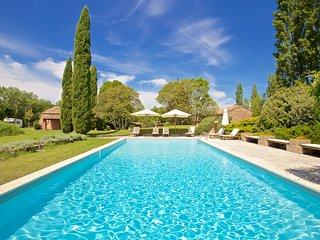 Beautiful artist's farmhouse in Provence