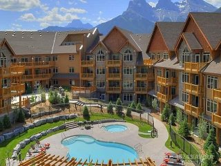 Canmore 1 bedroom Mountain Retreat