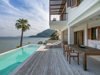 Villa Atokos Luxury Villa with Fantastic Views