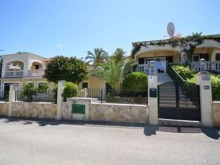 Very luxurious villa in Alcudia (Bonaire) with private pool en seeview.