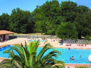 12 personnes dans résidence avec piscine proche de la plage
