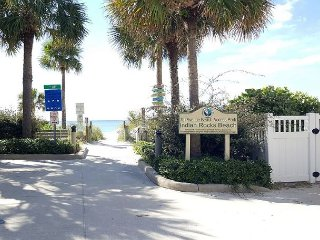 Indian Rocks Beach Living for 6 Guests! Newly Renovated Beach Side Condo!