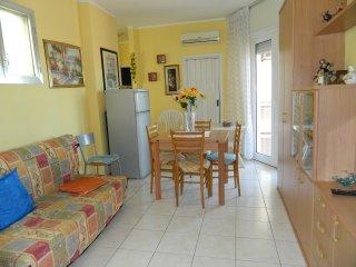 Appartamento trilocale ampio- Lido Pomposa- vicino al mare- 7 posti letto