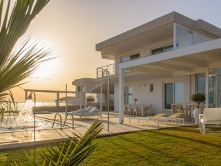 Luxury Seaside  Lounge Villa Delfini 1