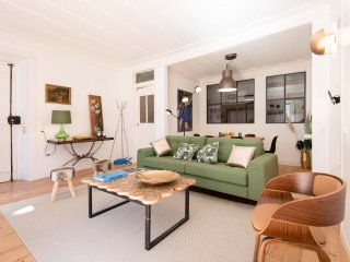NEW! 3 BR apt in the heart of Lisbon!