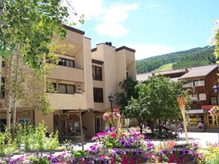 Lionshead Arcade 50 Yards to Lionshead Gondola 2-Bed 2-Bath