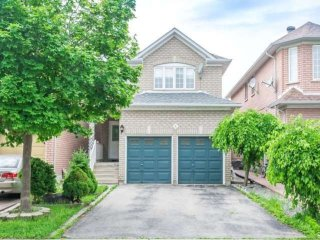 Grand 4 Bedroom Home ★ PRIVATE ★