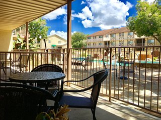 Poolside Porch Paradise-2bdr/2bth-SLEEPS 8! DISCOUNTED WEEKDAYS until June 15th!