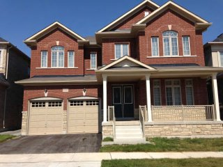 Brand- new Spacious Luxury House in Oakville