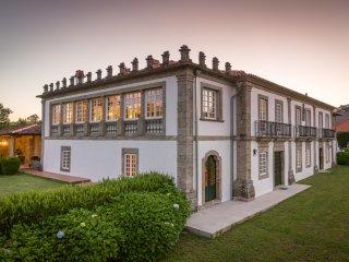 Nice Manour House - C.Luou R/C