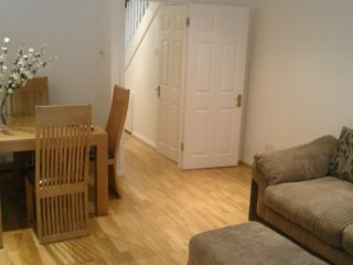 Bright, Spacious And Comfortable 3 Br House Great For Families