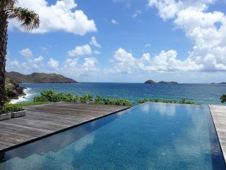 Villa Les Lataniers a seven bedroom villa in Anse Des Cayes