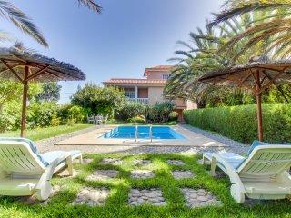Elegante villa c/ piscina y jardín! Ref. 211198