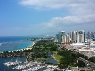Best In Building Ocean View Condo-NOW $99 -Newly Upgraded-Free Parking 3001