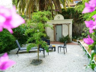 Luxury Garden Flat BCN city center