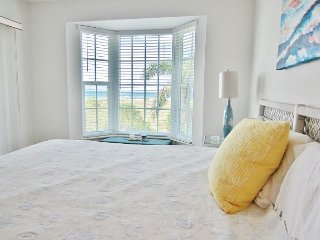 2nd floor two bedroom family friendly villa close to beach access, B3722B