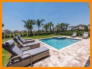 Encore Resort 301 - Exclusive villa with private pool and free shuttle to parks
