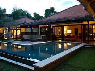 Acacias, 4 Bedroom Villa, Feature Garden, Seminyak