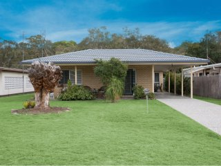 Taylor Avenue, 120 Golden Beach