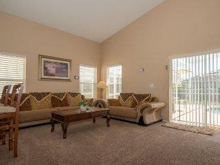 159EA. Beautiful Davenport Fl 5 Bed 4 Bath Pool Home in Hampton Lakes