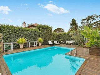 Large Home in Beautiful Balmoral Beach