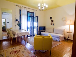 Apartamento ideal para parejas, familias y grupos de amigos. Sevilla centro.