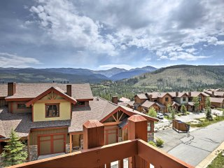 NEW! 3BR Winter Park TownHome w/ Private Hot Tub!
