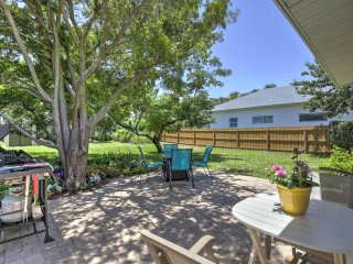 New Smyrna Beach Home w/ Fire Pit - Walk to Shore!