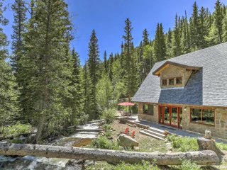Charming Creekside Dumont Home in Magical Forest!