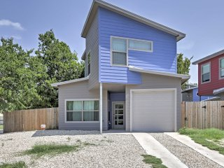 NEW! Sleek 3BR Austin House - 3 Blocks from 6th St